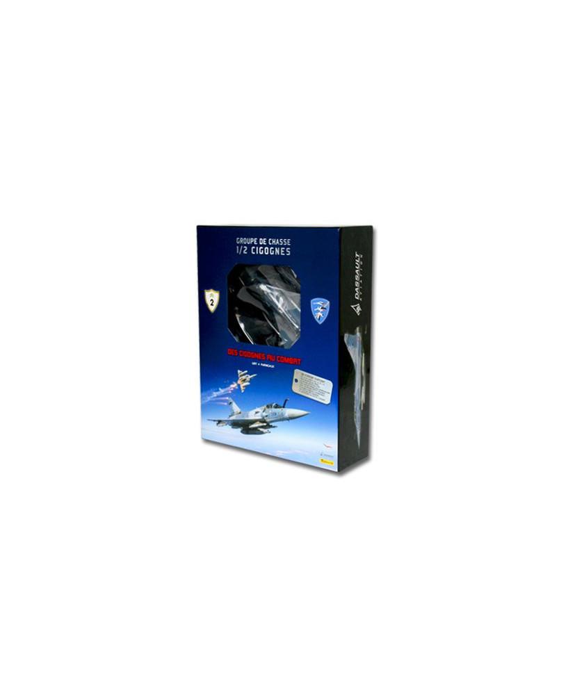 Coffret avec maquette, insigne et certificat : Des cigognes au combat