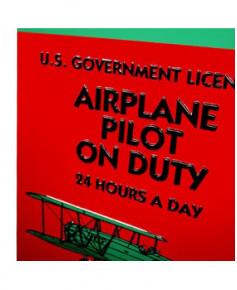 Plaque décorative en relief Airplane Pilot on Duty