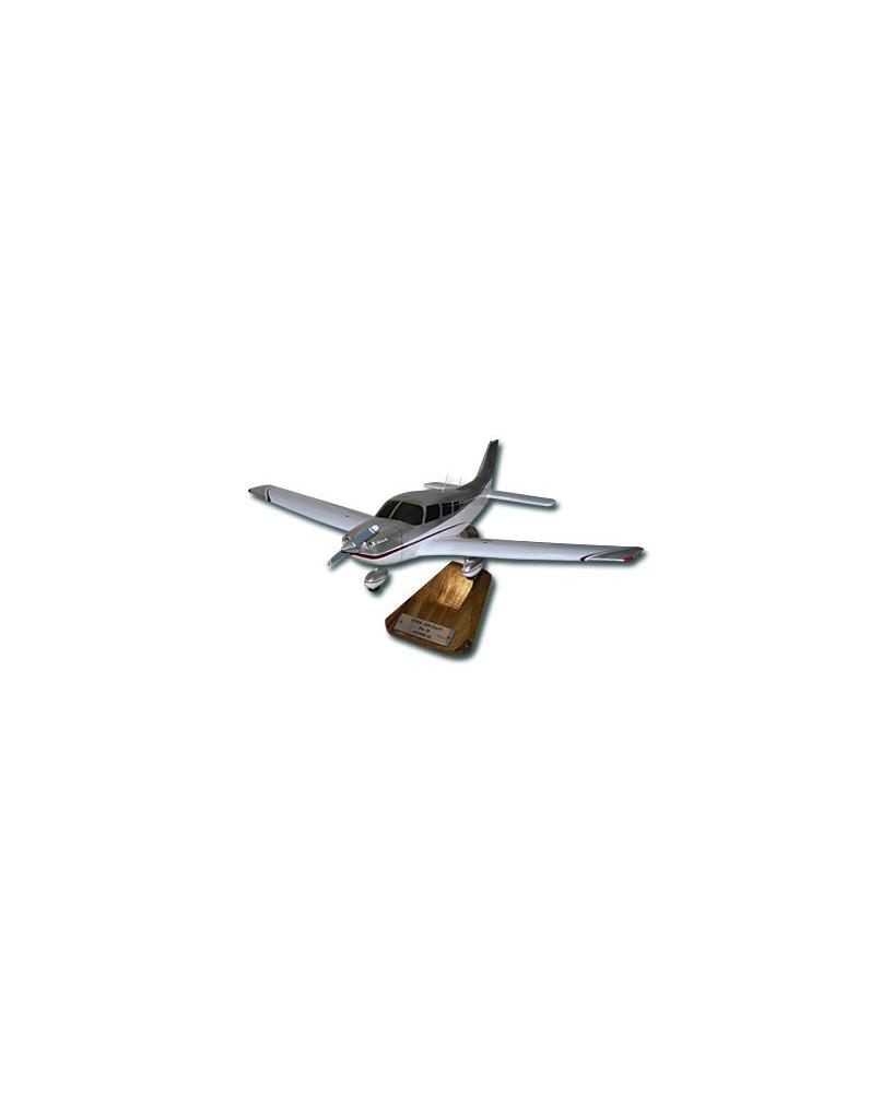 Maquette bois Piper PA28 Archer III