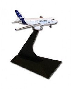 Maquette métal A318 anciennes couleurs Airbus 2005 - 1/400e