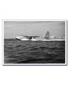 Carte postale noir et blanc - 34 - Spruce Goose, vol d'essai