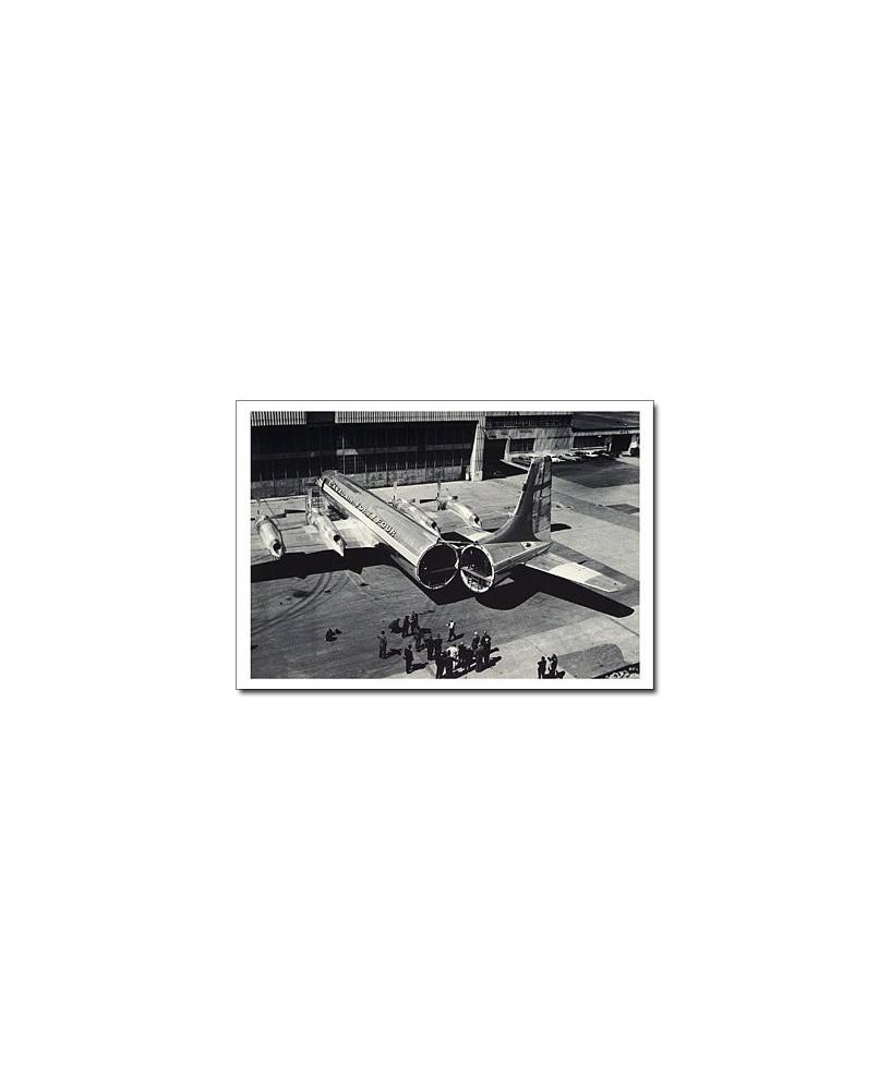 Carte postale noir et blanc - 74 - Canadair CL44