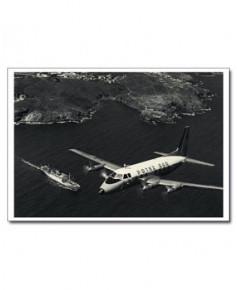 Carte postale noir et blanc - 30 - Potez 840-01 au-dessus de la baie de Collioure