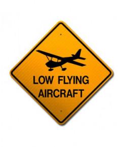 Panneau de signalisation métallique Low flying Aircraft
