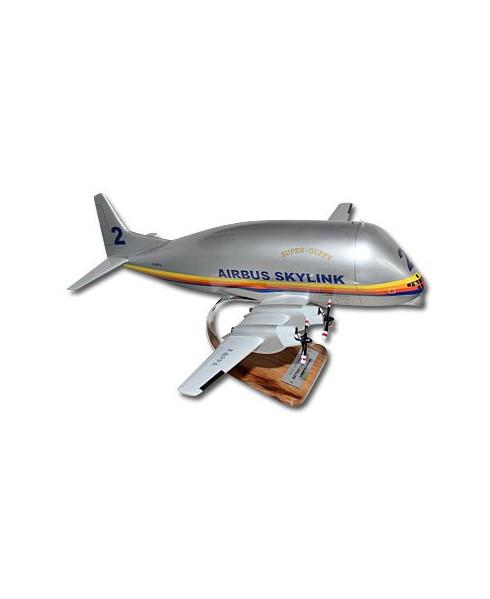 Maquette bois Boeing 377SGT Super Guppy