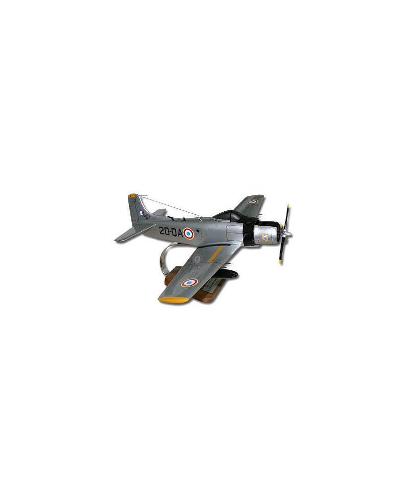 Maquette bois AD4N Skyraider