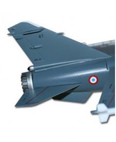 Coffret avec maquette, insigne et certificat : Le Mirage F1 - Escadron de Reconnaissance 2/33 Savoie