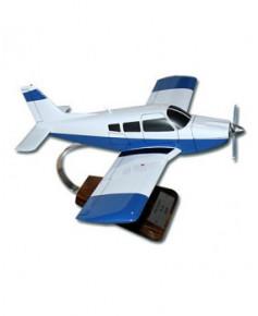 Maquette bois Piper Arrow PA28