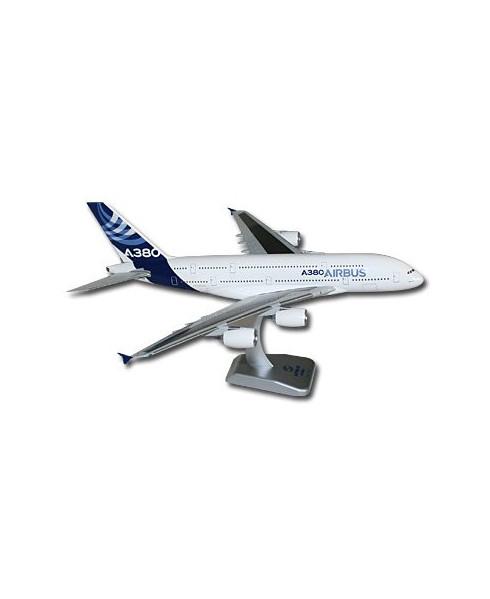 Maquette plastique A380 livrée Airbus 2010 - 1/200e