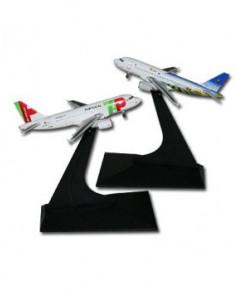 Lot de 2 maquettes métal A319-111 T.A.P. - 1/400e