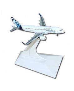 Maquette métal A320neo Airbus livrée prototype - 1/400e